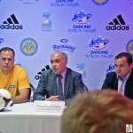 Тренер киевской команды Добрывечир Анатолий Антонович